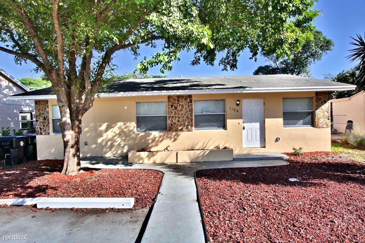 1120 S M Street, Lake Worth, FL - $1,899