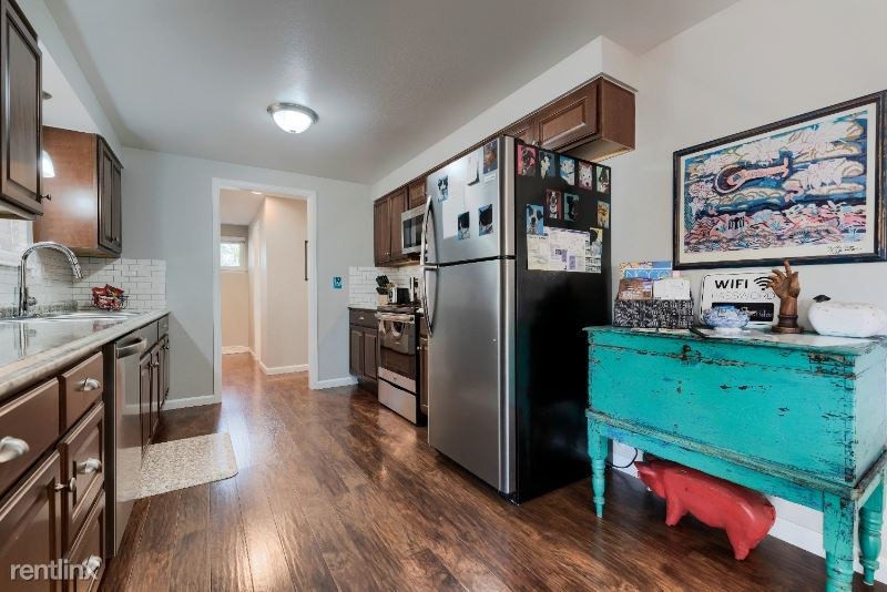 3521 N Sheridan Ave, Loveland, CO - $2,450