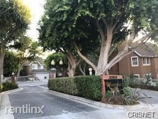 20950 Oxnard St Apt 45, Woodland Hills, CA - $3,950