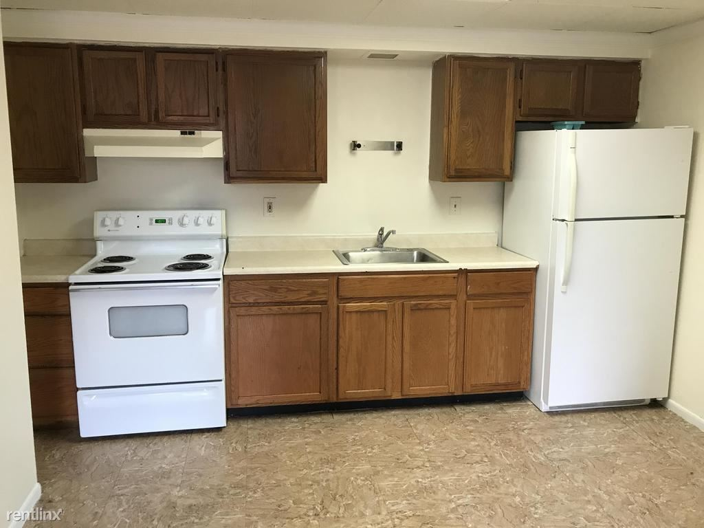 305 Bessemer Ave Unit 3B, East Pittsburgh, PA - $625