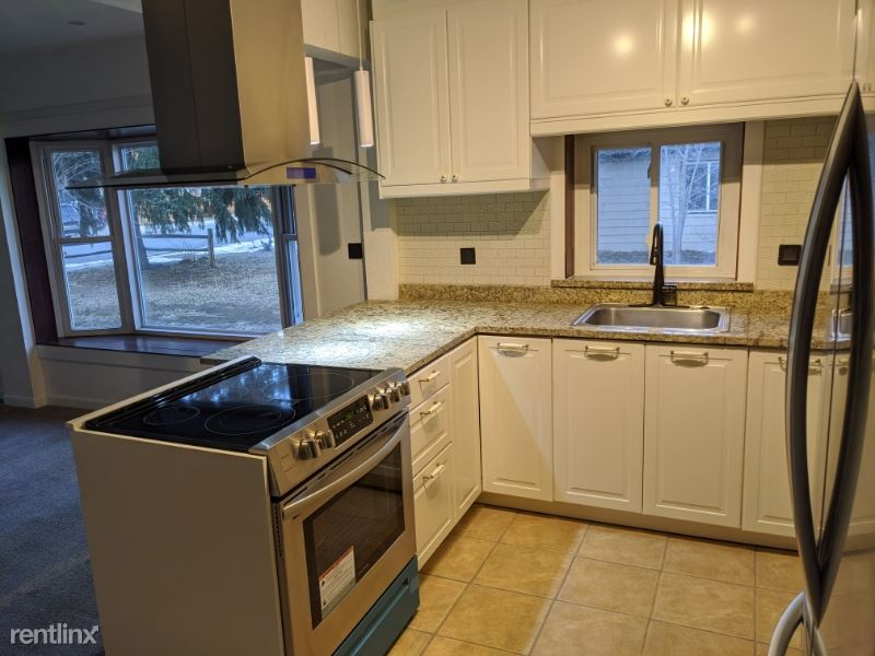 420 W 10th St, Loveland, CO - $2,000