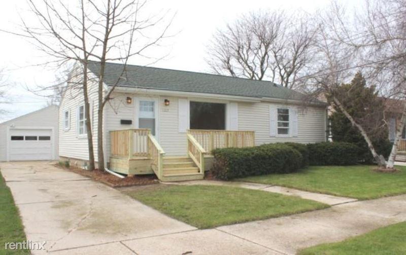 1239 Humboldt Ave, Sheboygan, WI - $1,750