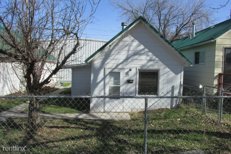 223 9th Ave. South, Great Falls, MT - $675