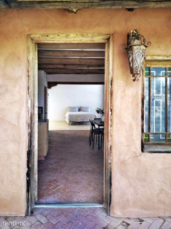7617 Guadalupe Trail NW, Los Ranchos De Albuquerque, NM - $1,389
