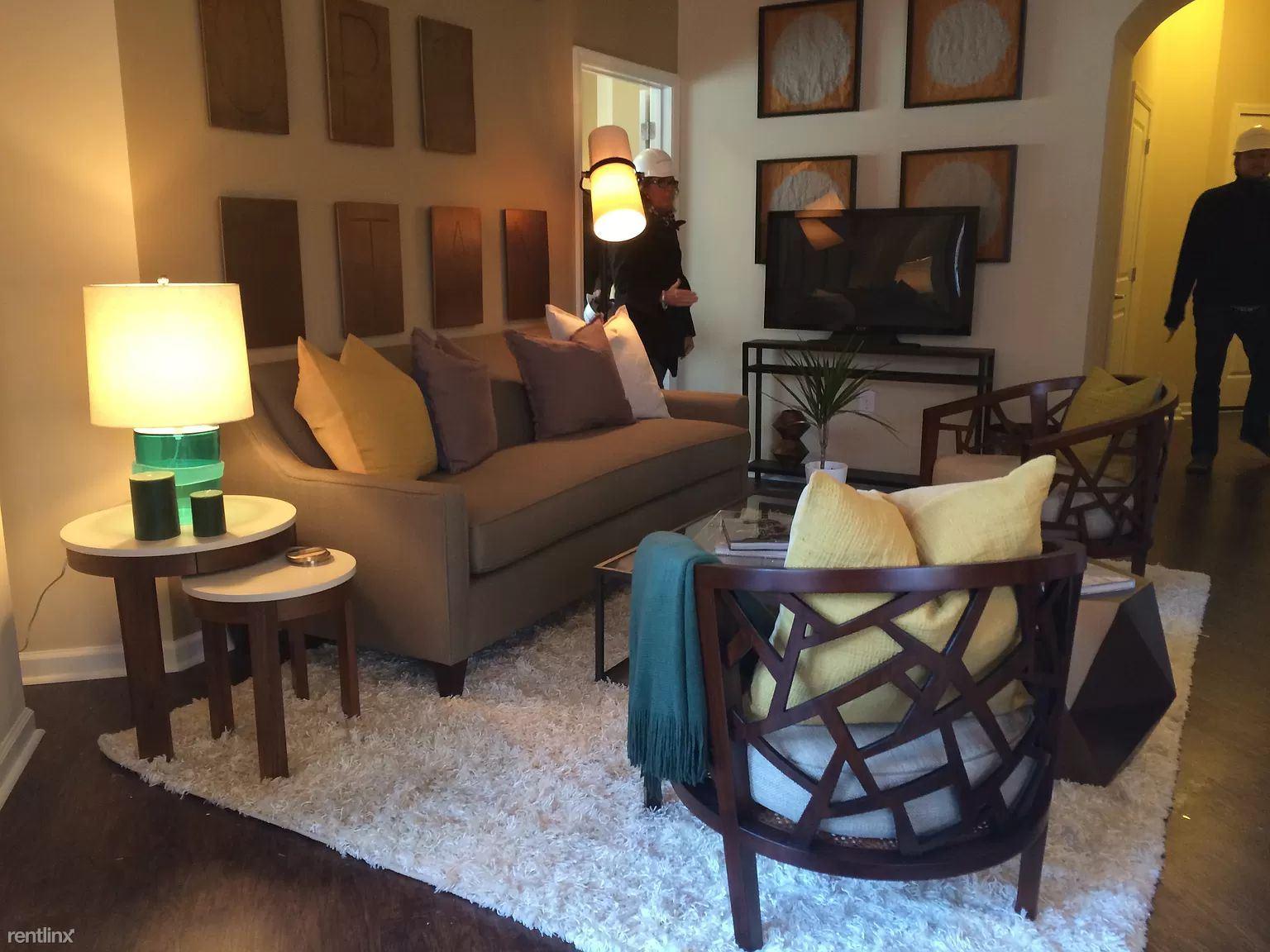 401 Granby St, Norfolk, VA - $840