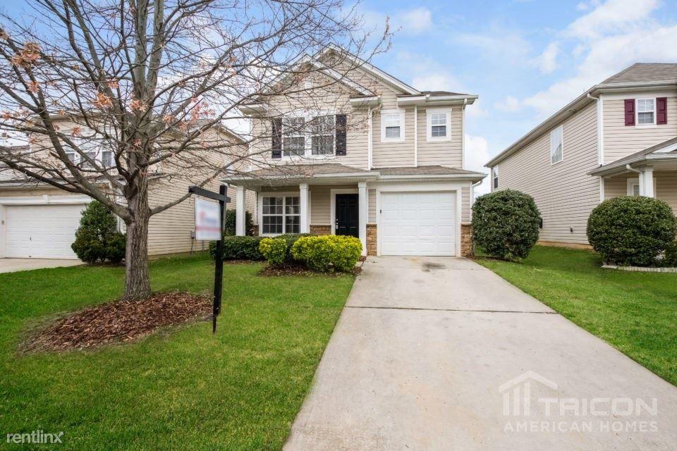 1049 Kings Mountain Lane, Gastonia, NC - $1,295