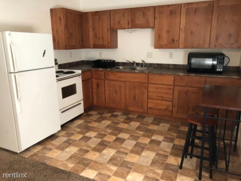319 Wyoming D, Rawlins, WY - $650