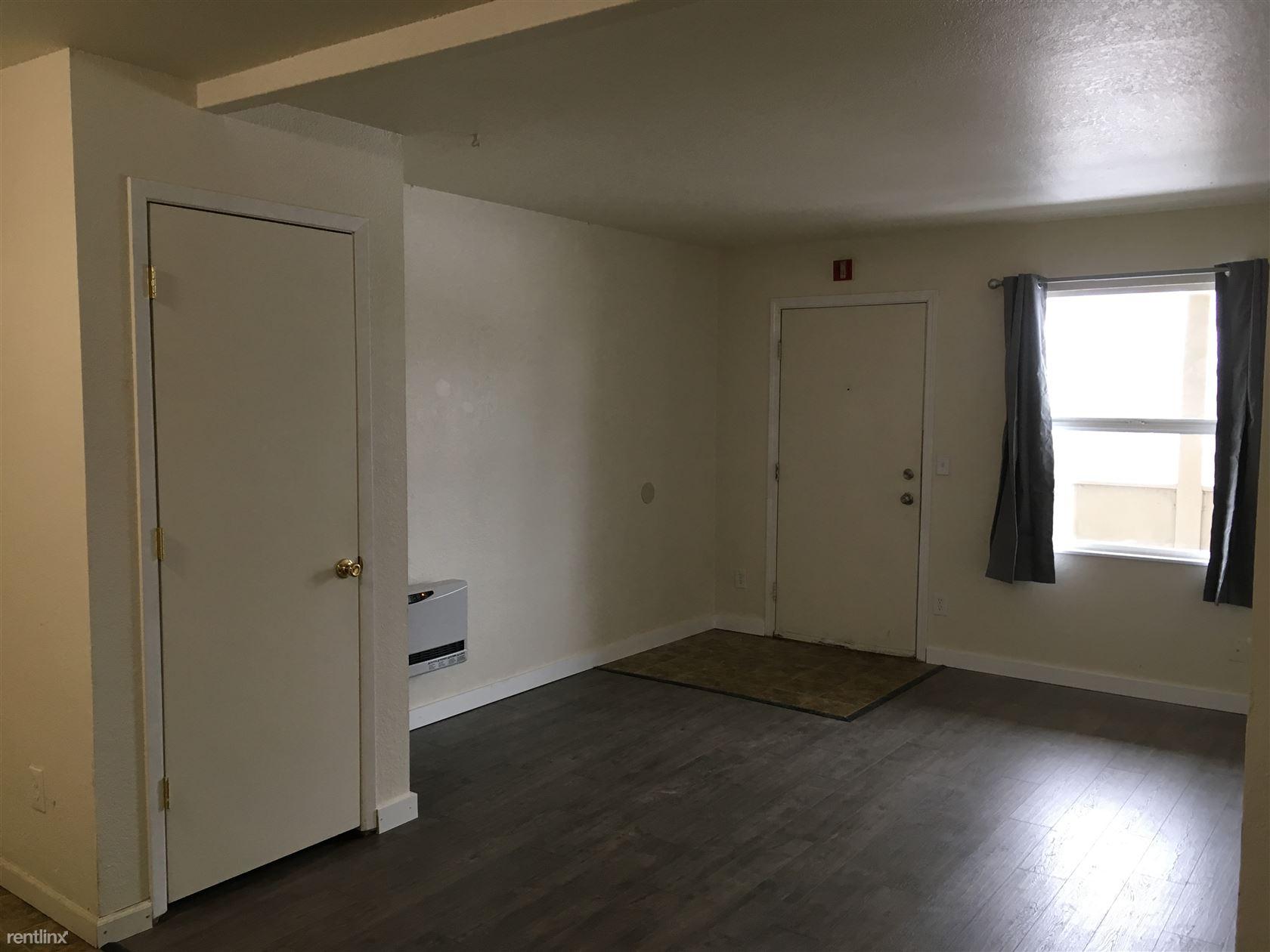 3424 Thompson Ave, Anchorage, AK - $900