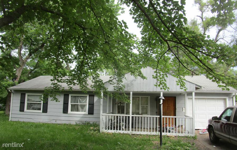 3463 SW Mayo Ave, Topeka, KS - $775