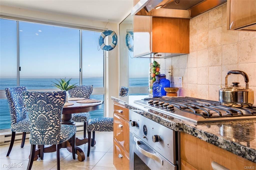 565 Esplanade Unit 216, Redondo Beach, CA - $4,800
