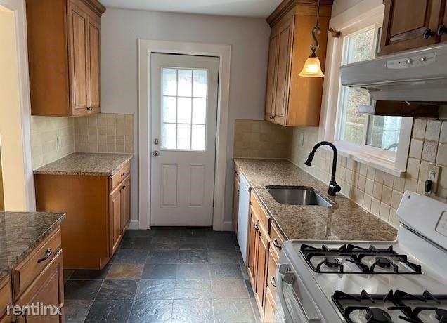 Chatterton Pkwy, White Plains, NY - $3,200