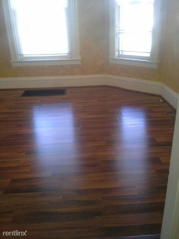 233 Kingsbury Avenue Apt A B, Elmira Heights, NY - $925