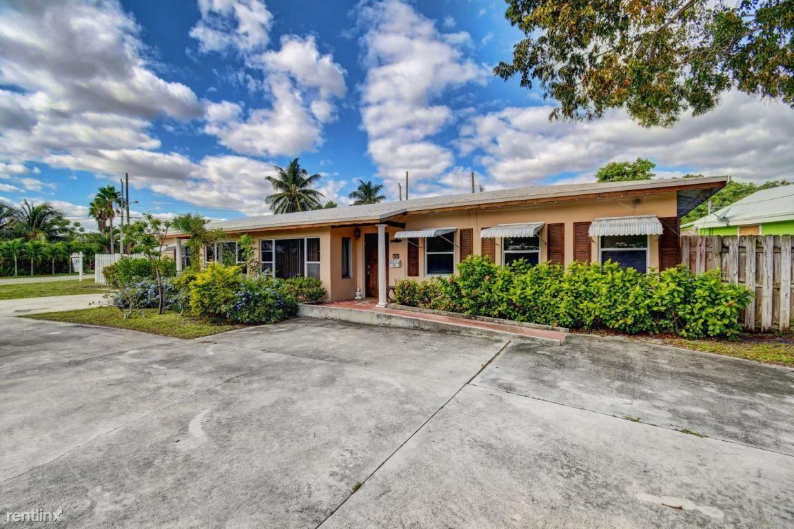 832 SE 4th Ave, Delray Beach, FL - $2,150
