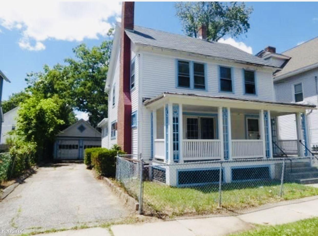40 Norfolk St, Springfield, MA - $1,995