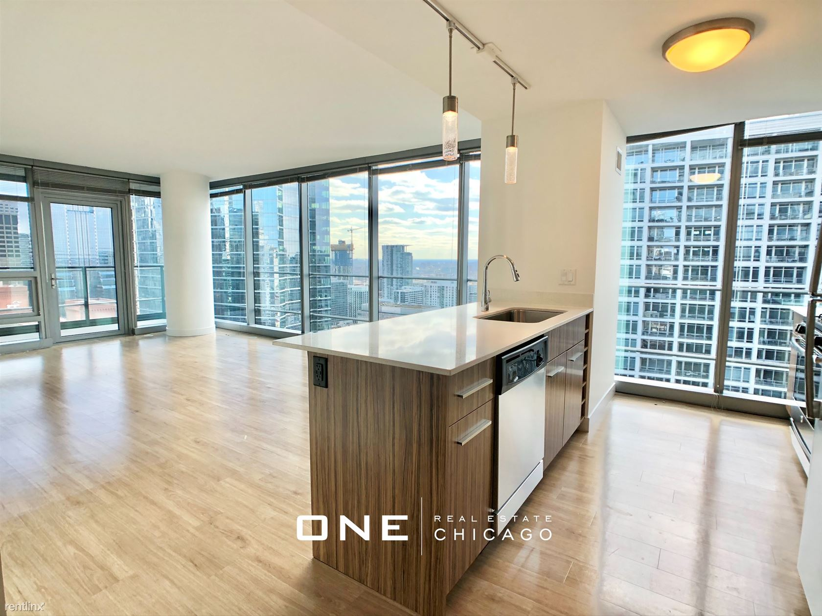 Wolf Point Plz and Orleans, Chicago, IL - $2,975