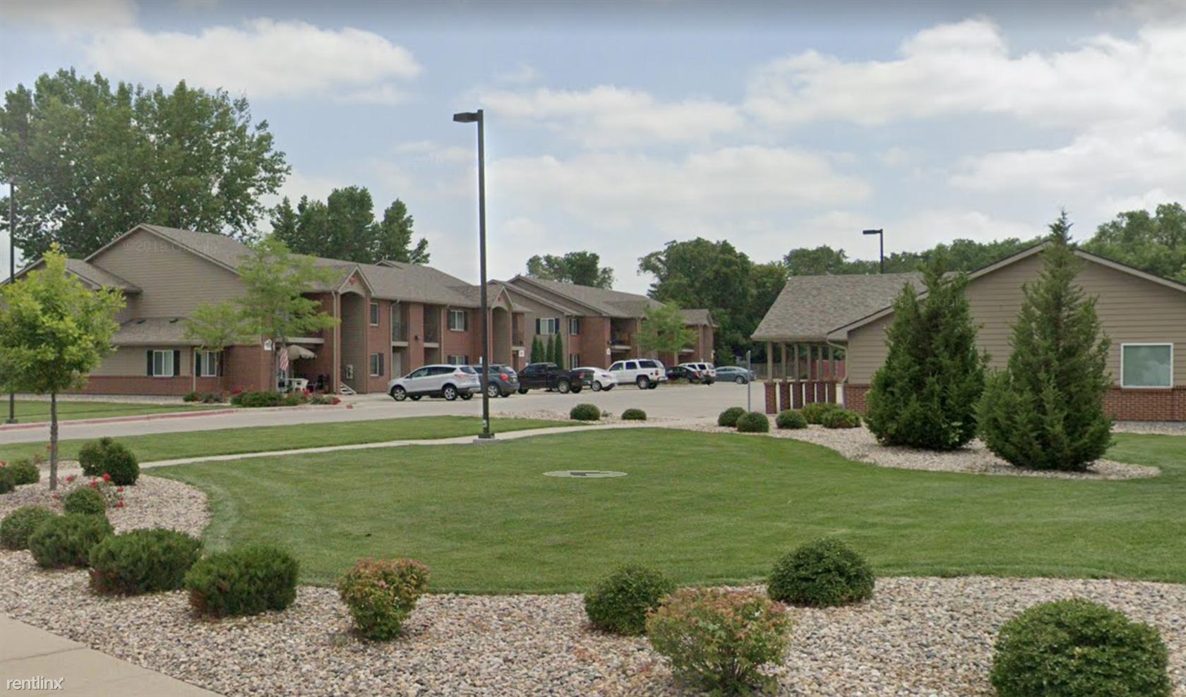 800 Riverview Dr, South Sioux City, NE - 465 USD/ month