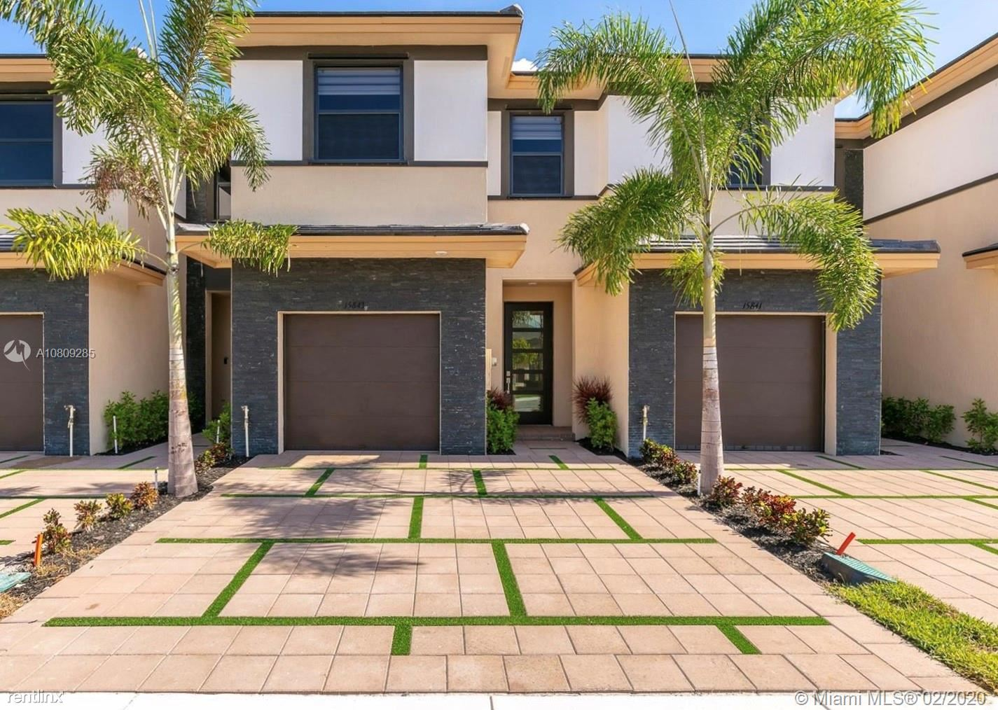 15843 NW 90th Ct, Miami Lakes, FL - $2,650