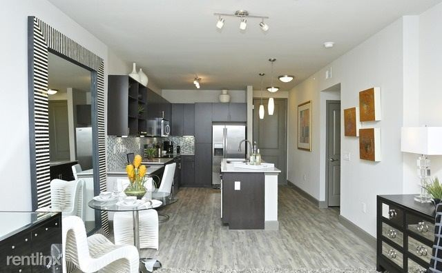 3100 Smith St - 1499USD / month
