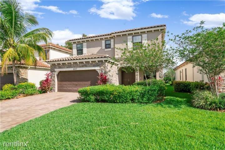 8857 Willow Cove Ln, Lake Worth, FL - $2,800