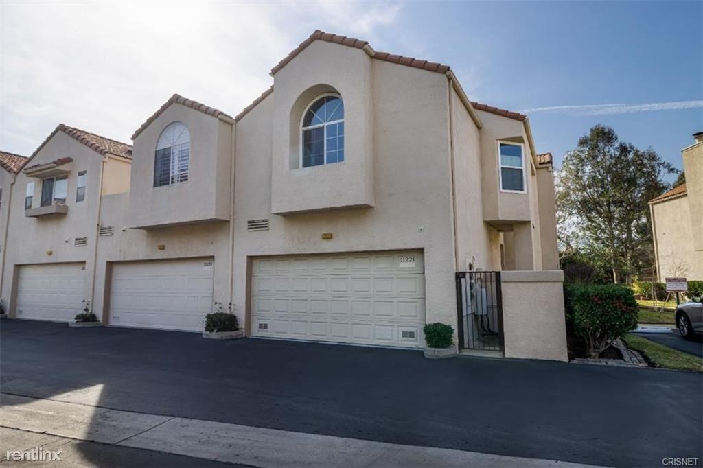 11221 Sierra Pass Pl, Chatsworth, CA - $3,495