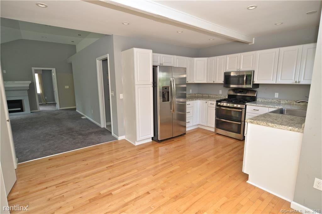39 Short Beach Rd # 2D, New Haven, CT - $1,995