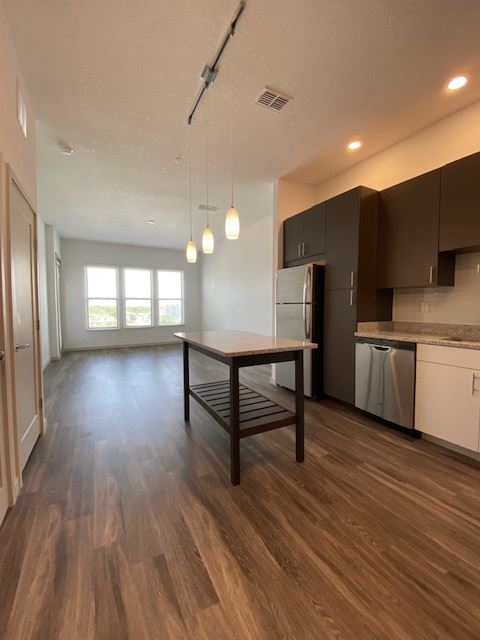 301 S Orlando Ave, Maitland, FL - $2,205