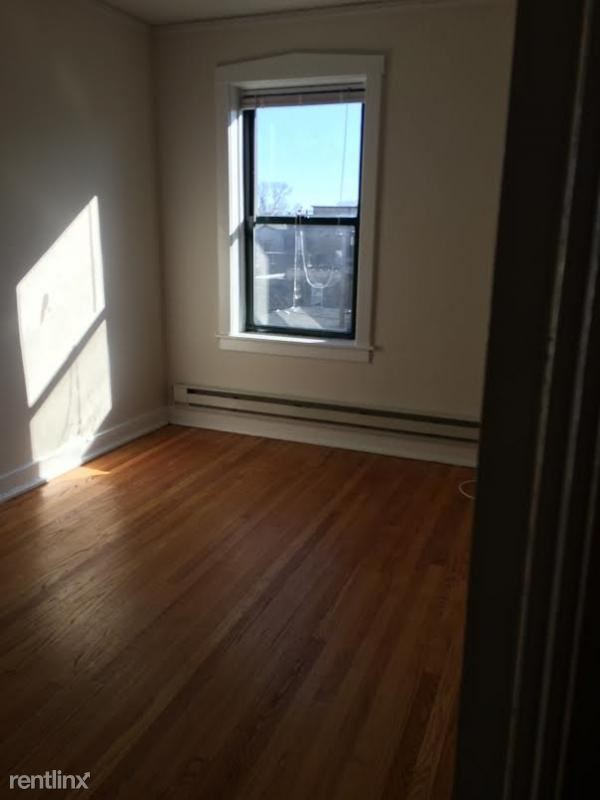 3841 N Greenview Ave, Chicago, IL - $1,445