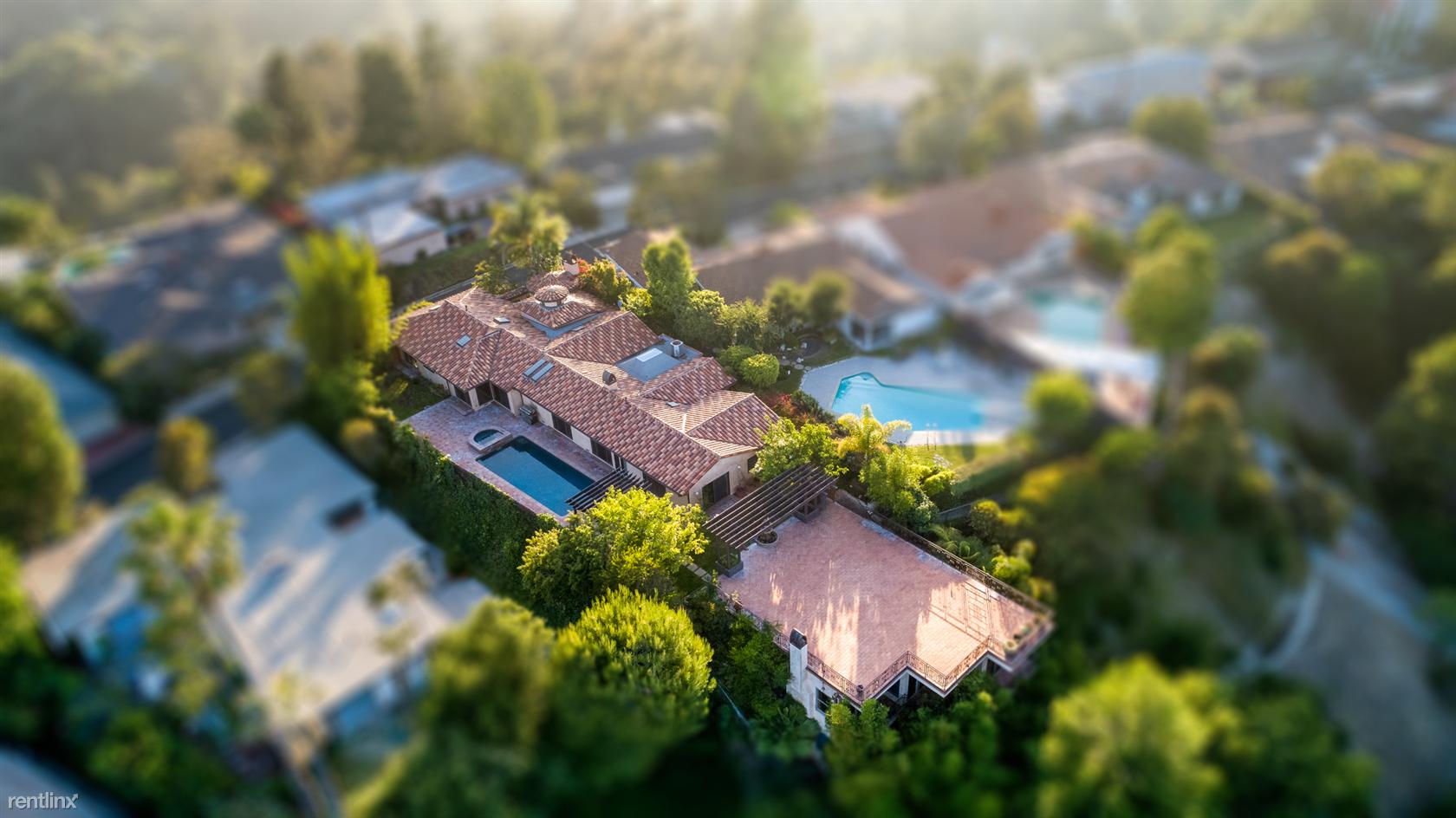 864 Teakwood Rd, Los Angeles, CA - $17,950
