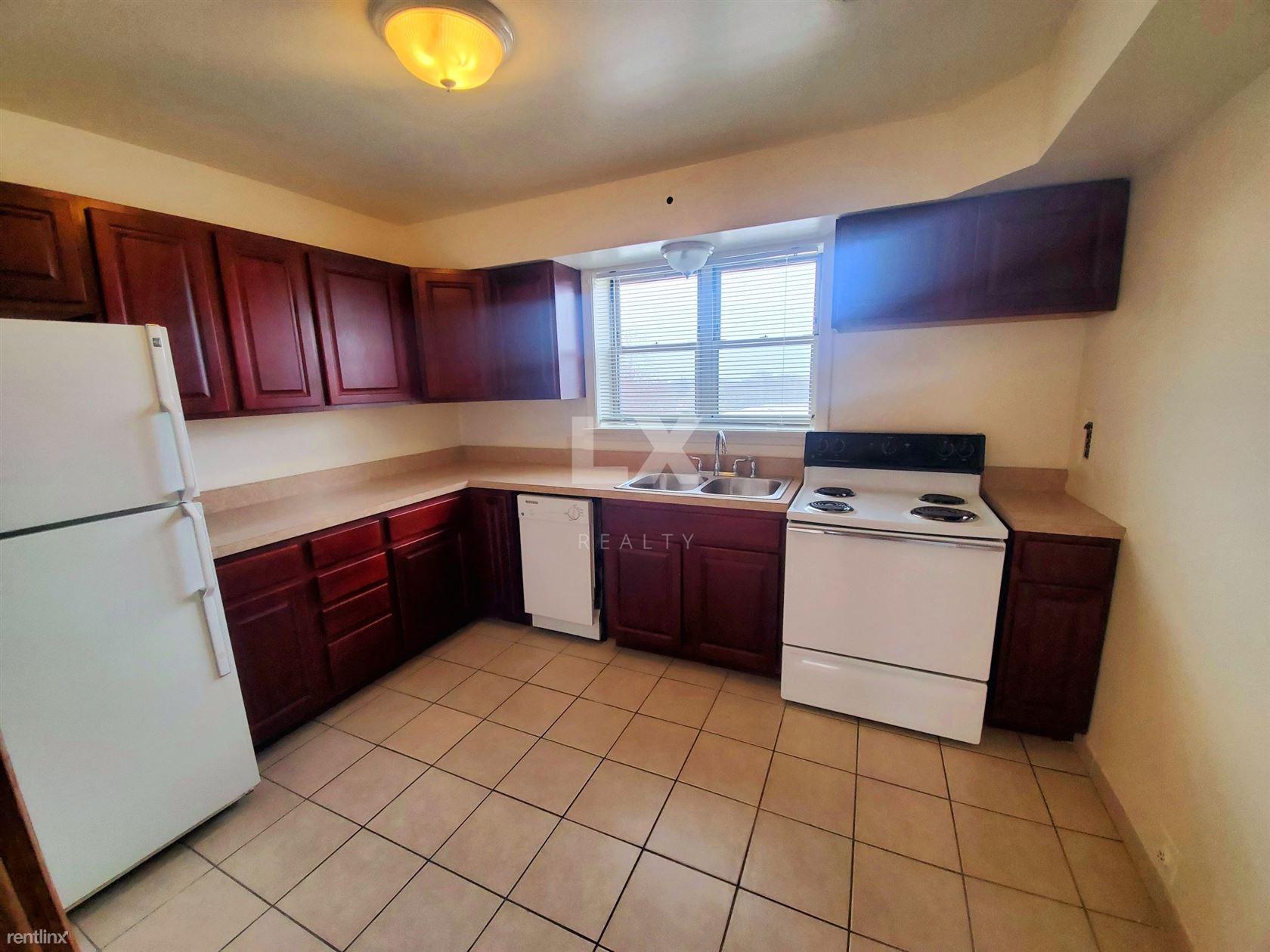 4619 Davis St, Skokie, IL - $1,350