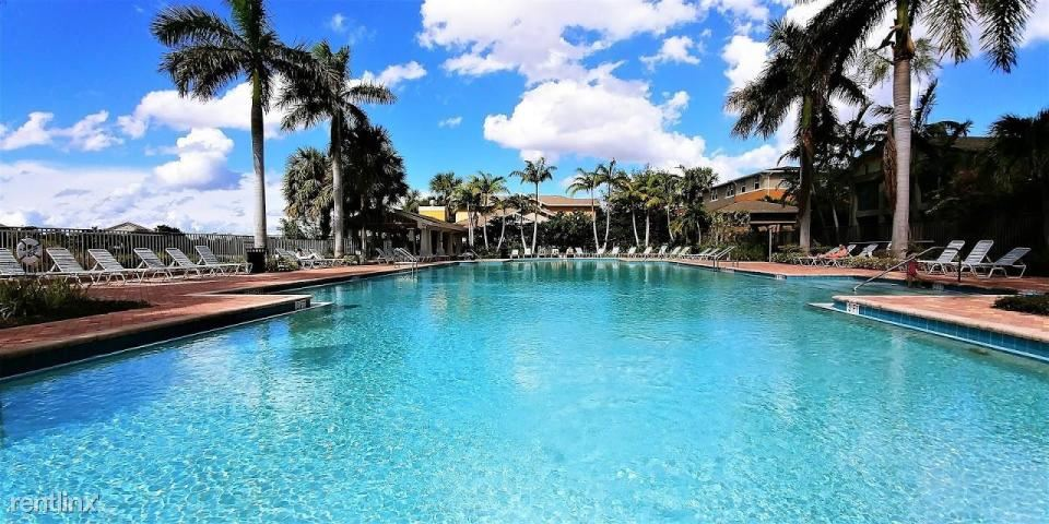 477 Pacific Grove Dr Unit 3, West Palm Beach, FL - $2,475