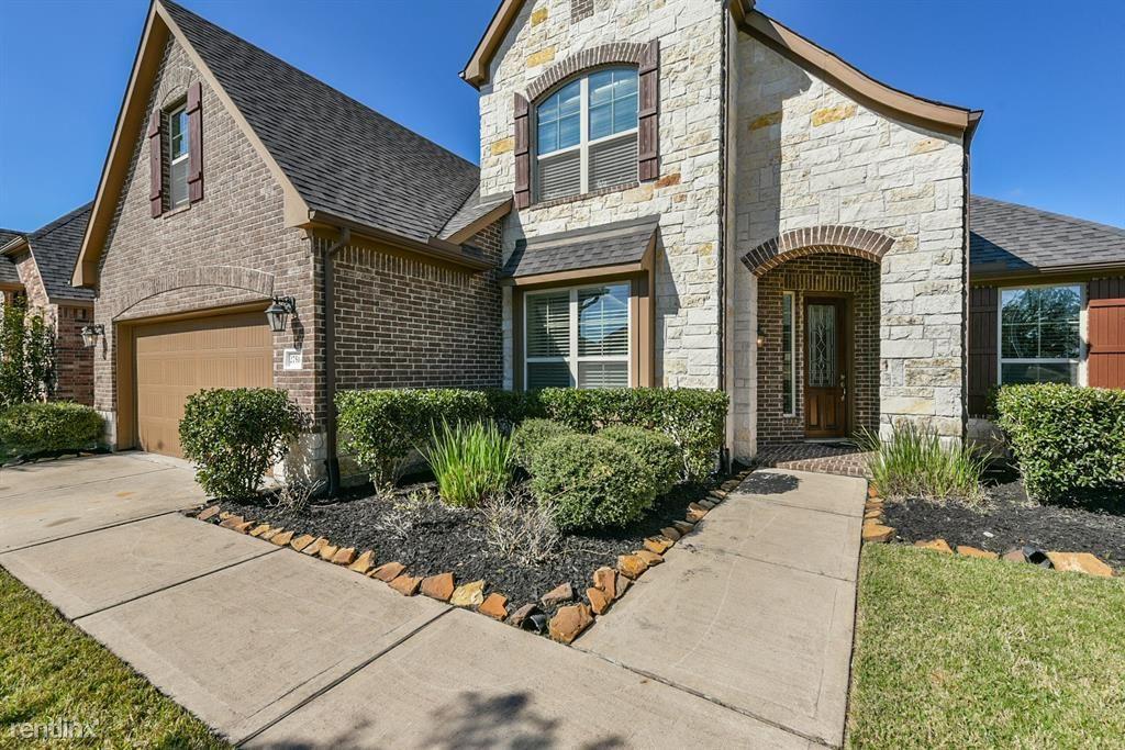 27514 Fleming Bluff Ct, Fulshear, TX - $2,600