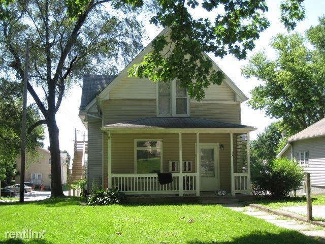 331 S Lucas St Apt 6, Iowa City, IA - $2,200
