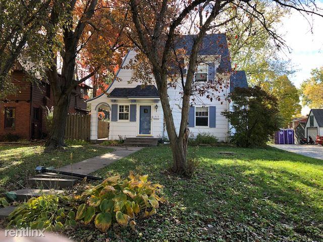 517 Brookland Park Dr, Iowa City, IA - $2,100