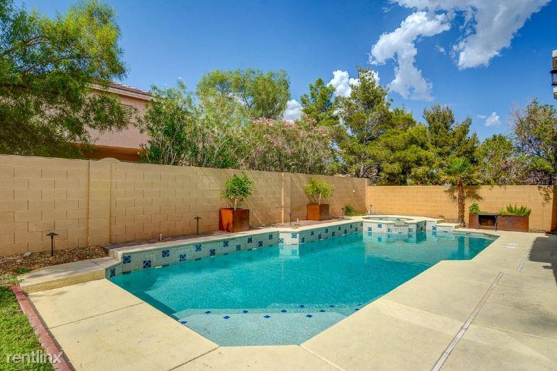 9636 W Gilmore Ave, Las Vegas, NV - $2,900