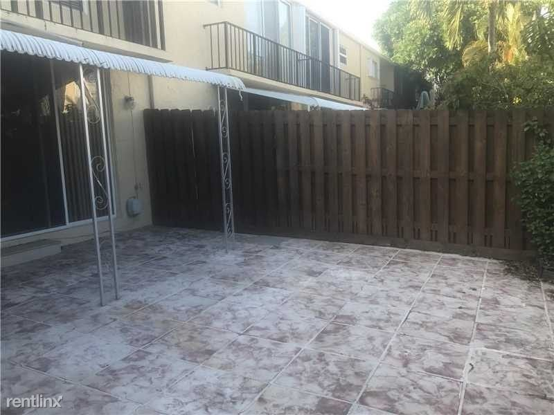 938 NE 24th Avenue 182K, Hallandale, FL - $2,375