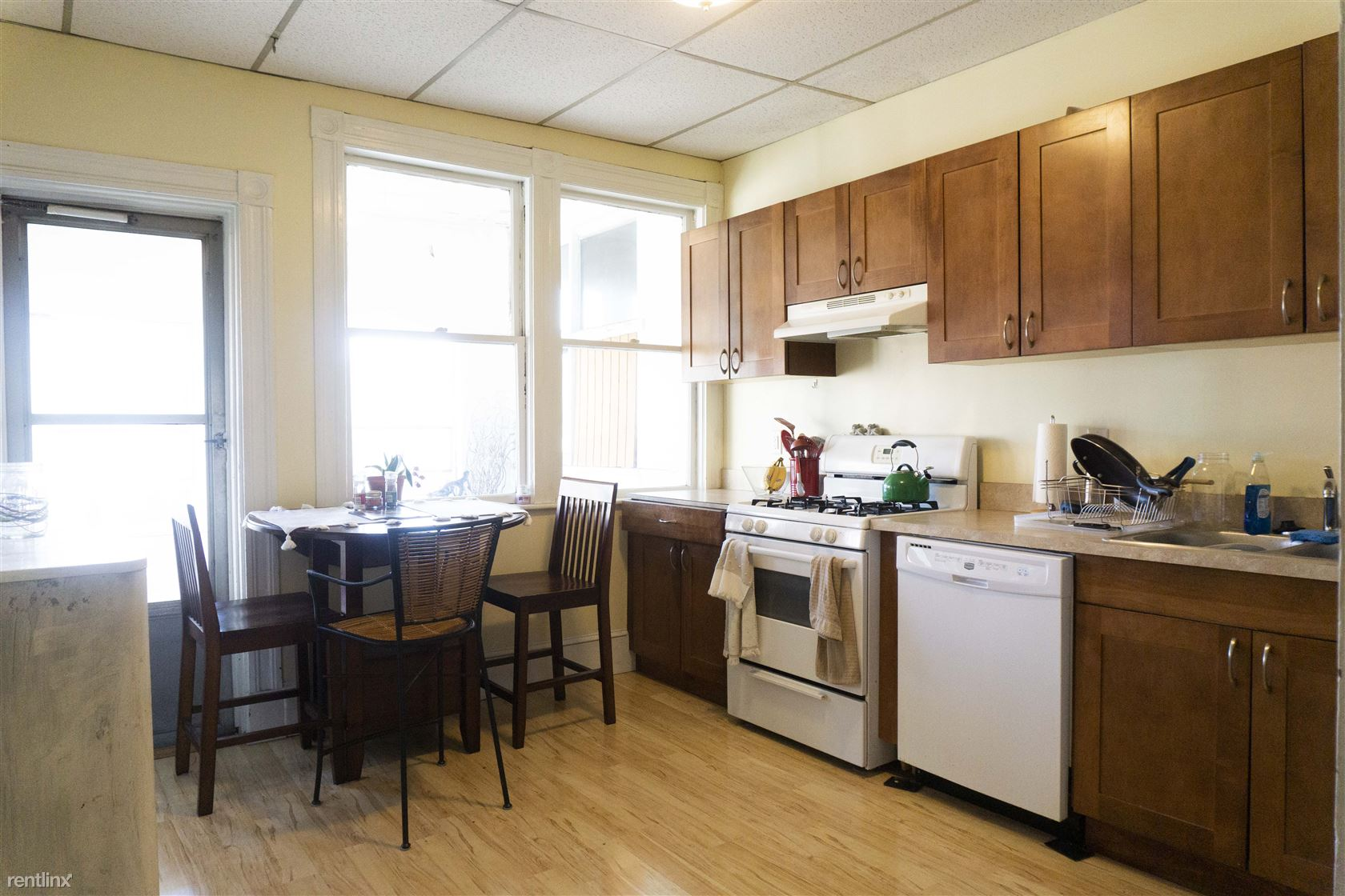 32 Orkney Rd Unit 2 - 4500USD / month