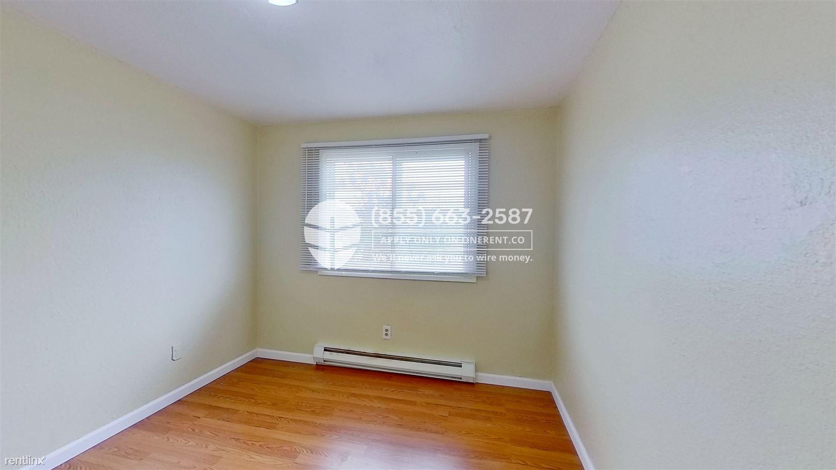 21614 29th Avenue South Unit 1, Des Moines, WA - $1,699