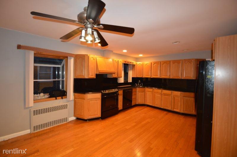 573 LINCOLN ST, Cedarhurst, NY - $2,700