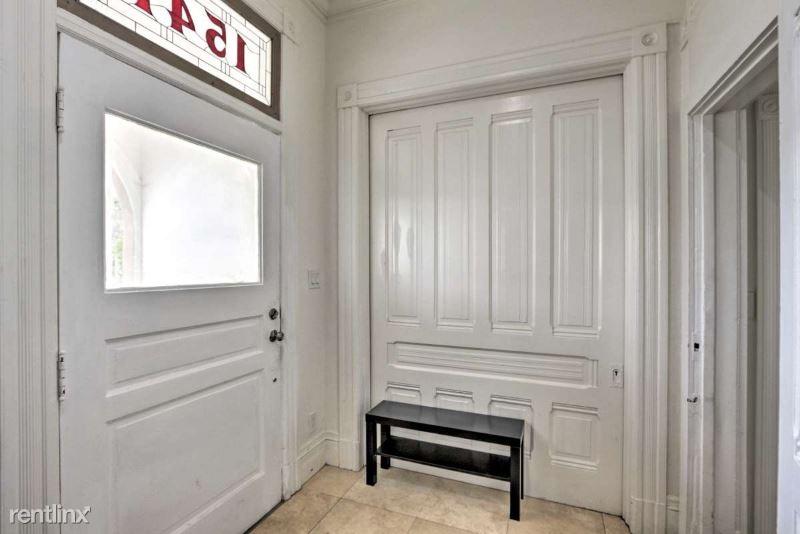 1541 Benton Street B, Alameda, CA - $4,999