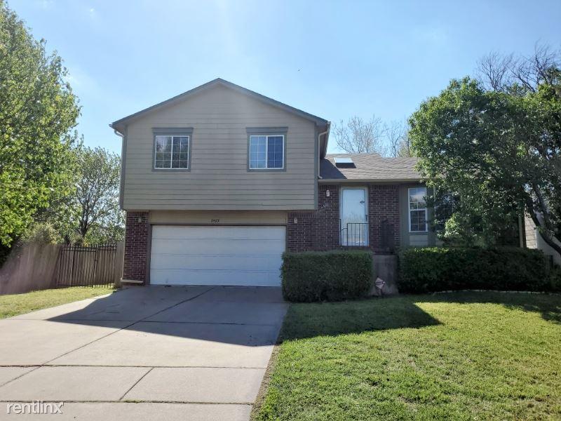 2425 N. Beacon Hill, Wichita, KS - $1,400