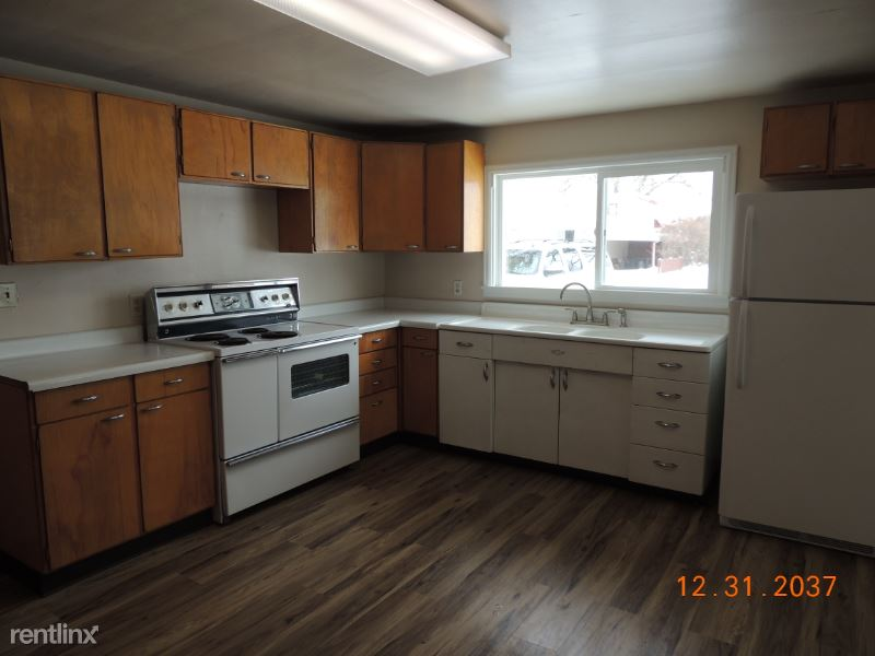 110 3rd Ave, West, Culbertson, MT - $950