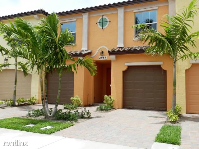 4657 Mediterranean Cir, Palm Beach Gardens, FL - $2,600