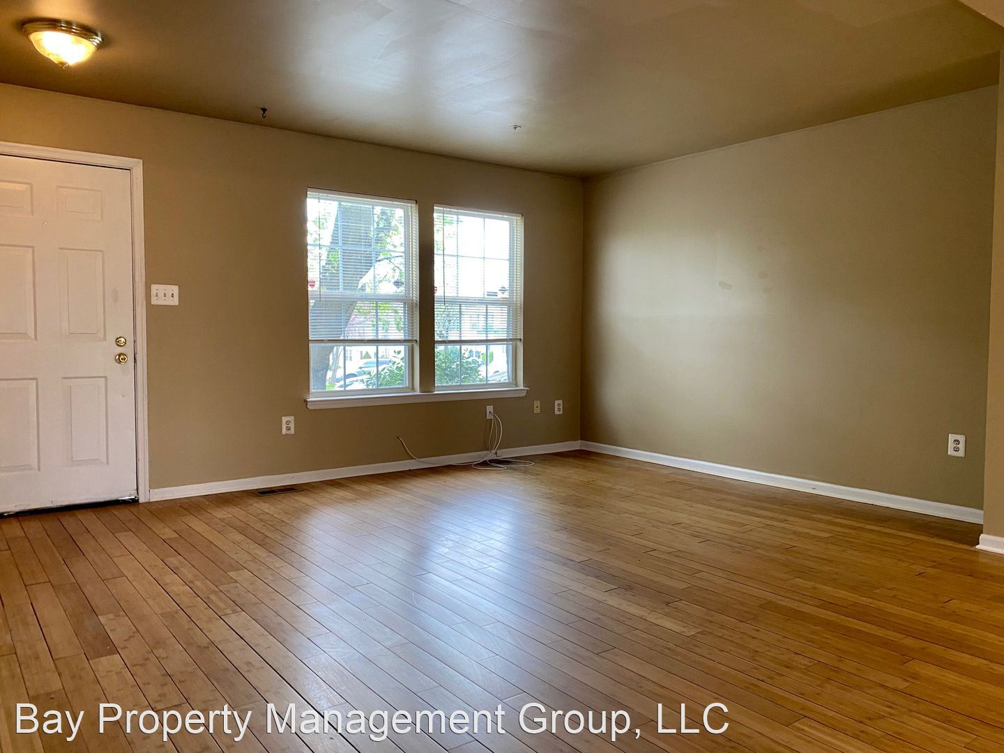 8240 Kings Crown Rd, Pikesville, MD - $1,700