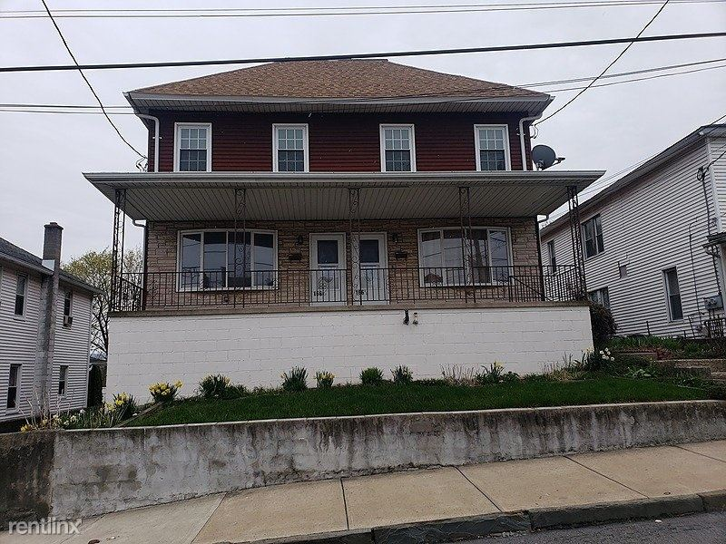 166 Tompkins Street, Massapequa, PA - $850