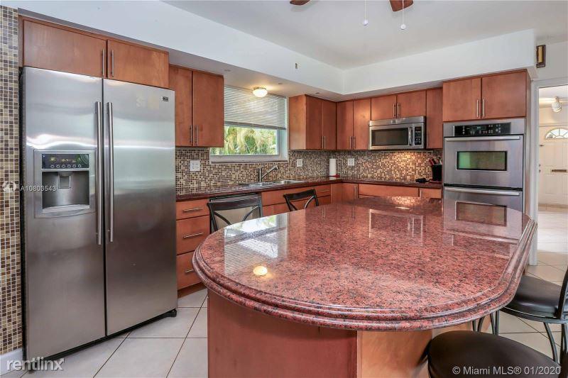1124 N 13th Ave, Hollywood, FL - $4,000