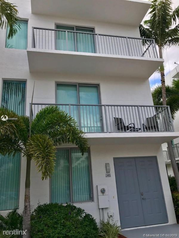 2142 Van Buren St # 505, Hollywood, FL - $2,800