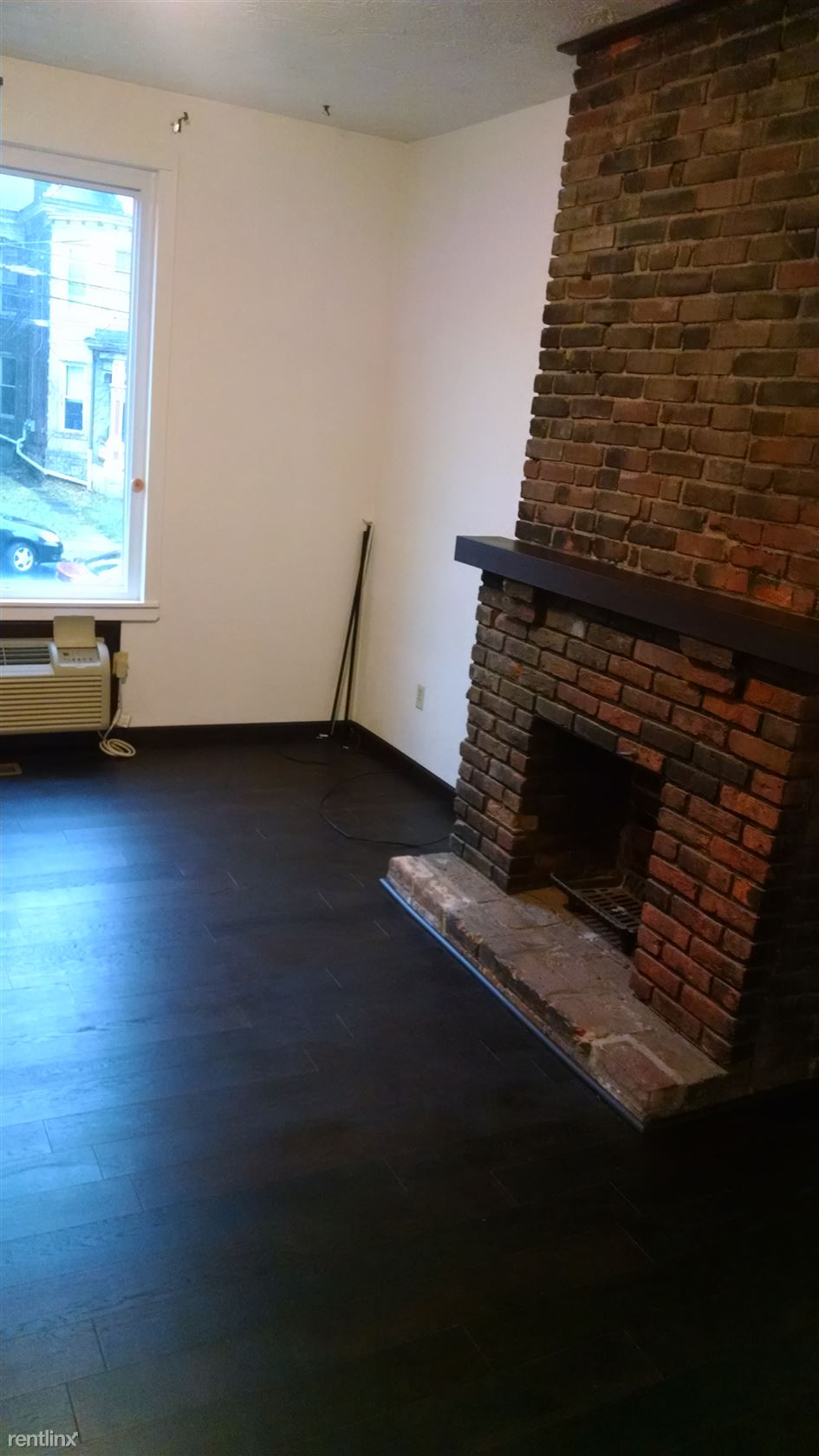 5527 Howe St, Pittsburgh, PA - 1,350 USD/ month