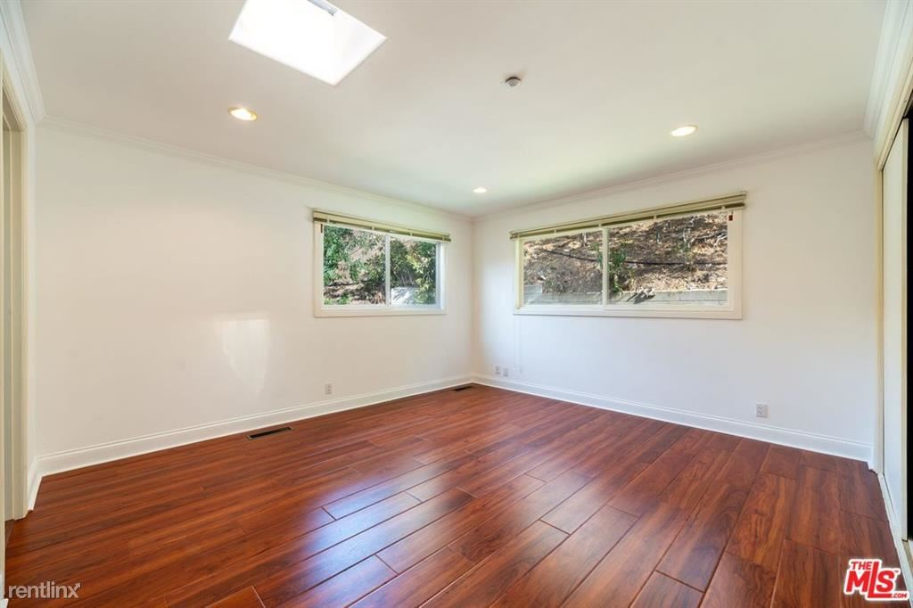 1034 N Hillcrest Rd, Beverly Hills, CA - $9,995