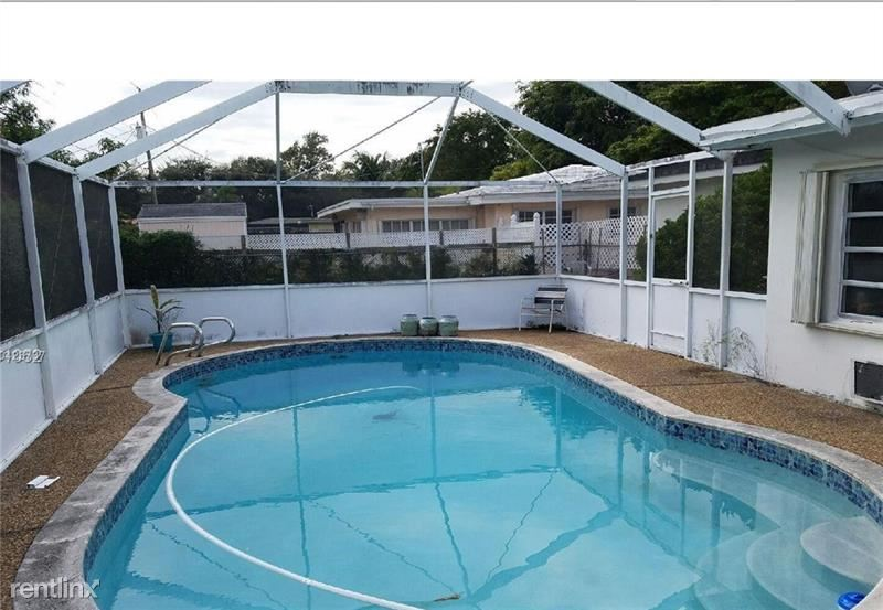 307 S 57th Ave, Hollywood, FL - $2,310