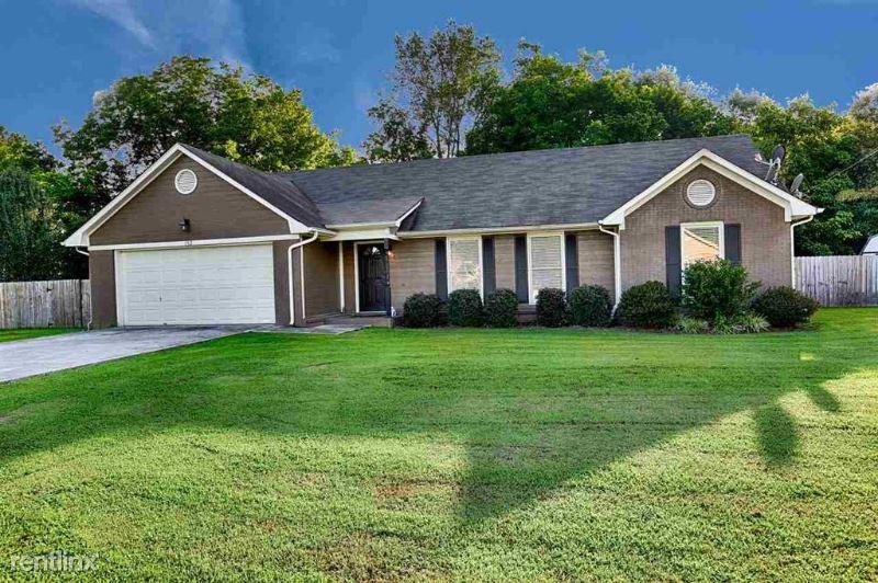 152 Cooper Drive, Huntsville, AL - $1,500